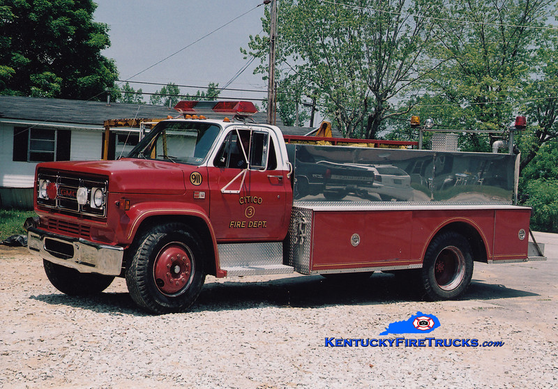 <center> RETIRED <br> Sandy Hook  Tanker 3 <br> 1982 GMC 7000/McGinley 350/1500 <br> Greg Stapleton photo <br> </center>