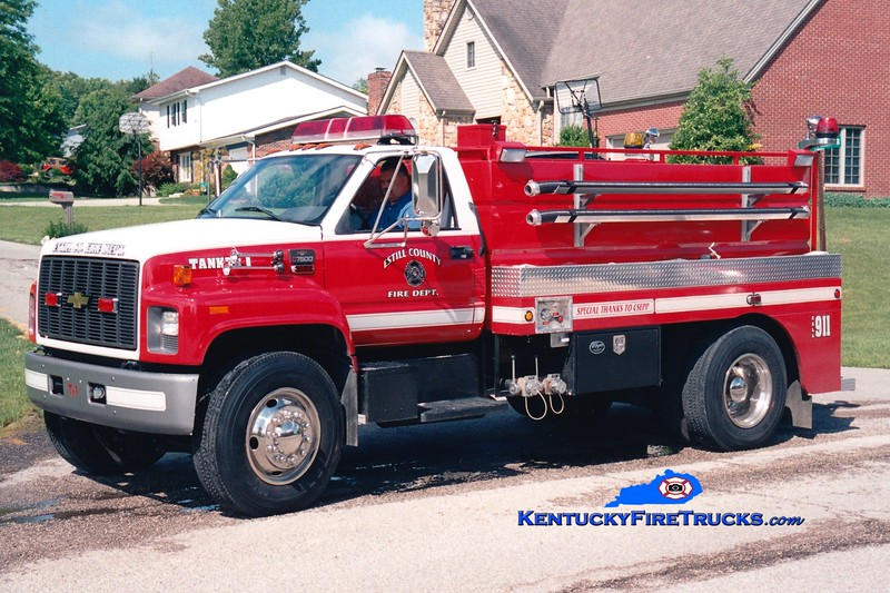 <center> Estill County  Tanker 1 <br> 2000 Chevy C7500/Wynn 250/1850 <br> Greg Stapleton photo </center>