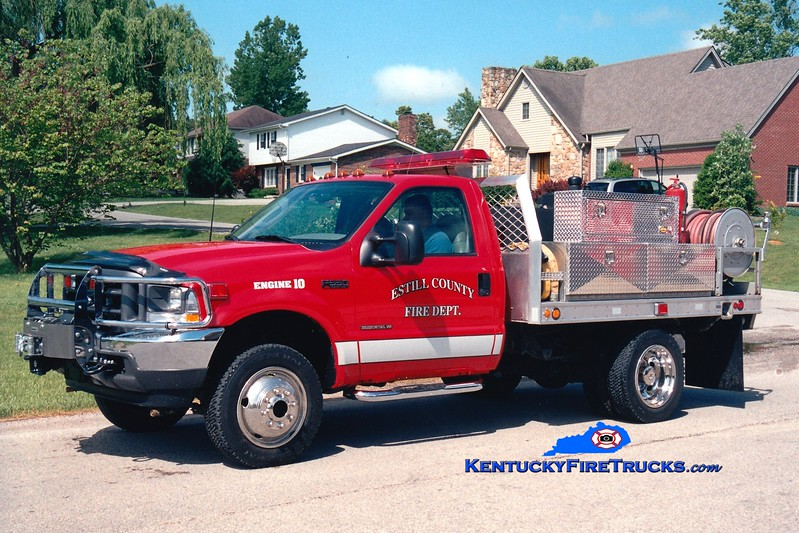 <center> Estill County  Engine 10 <br> 2002 Ford F-550 4x4/Fouts Bros 250/300 <br> Greg Stapleton photo </center>