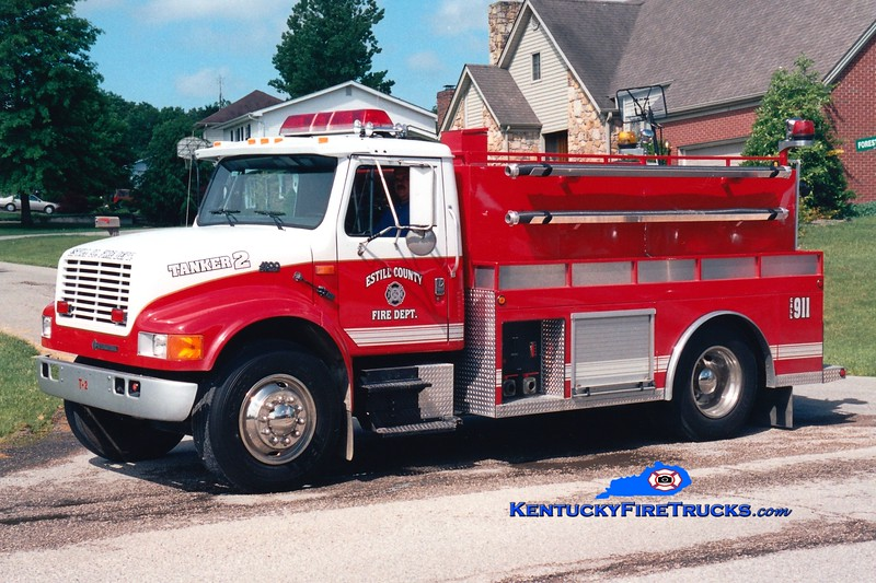 <center> Estill County  Tanker 2 <br> 1994 International 4900/Wynn 250/2000 <br> Greg Stapleton photo </center>