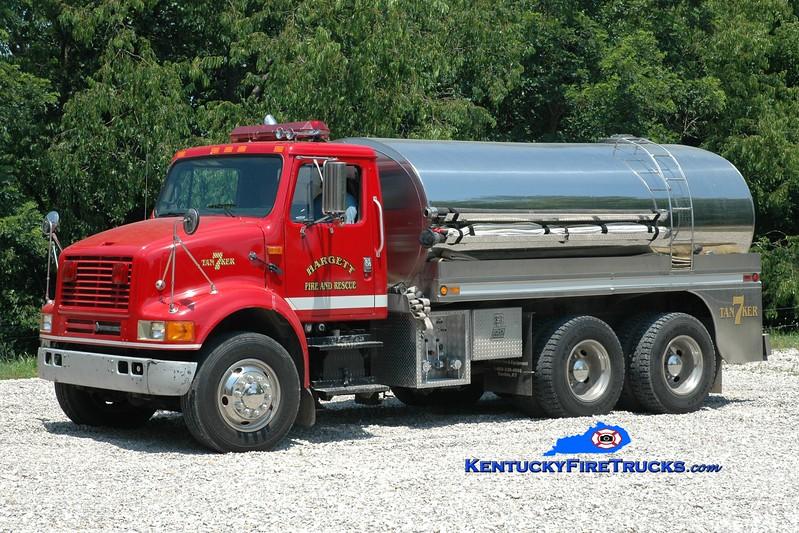 <center> Hargett  Tanker 7 <br> x-Lincoln County, KY <br> 1993 International/Bluegrass 500/2500 <br> Greg Stapleton photo </center>