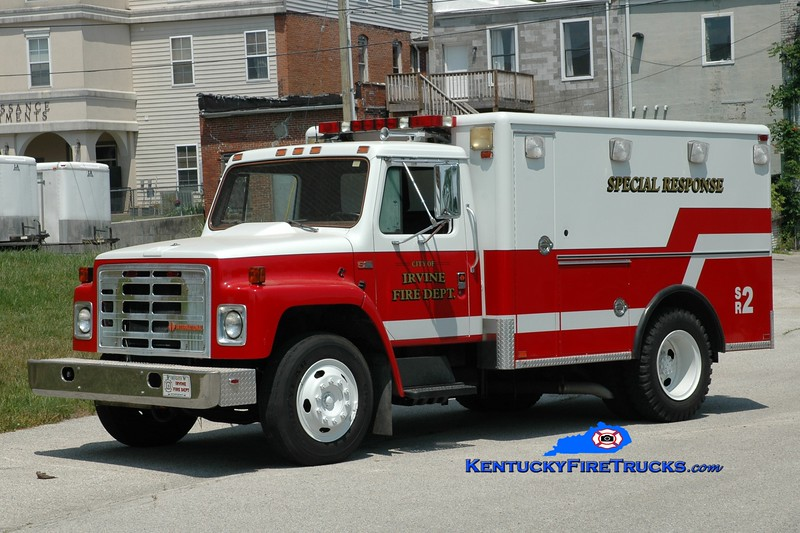 <center> Irvine  Rescue 2 <br> x-Lexington, KY <br> 1989 International/Horton <br> Greg Stapleton photo </center>