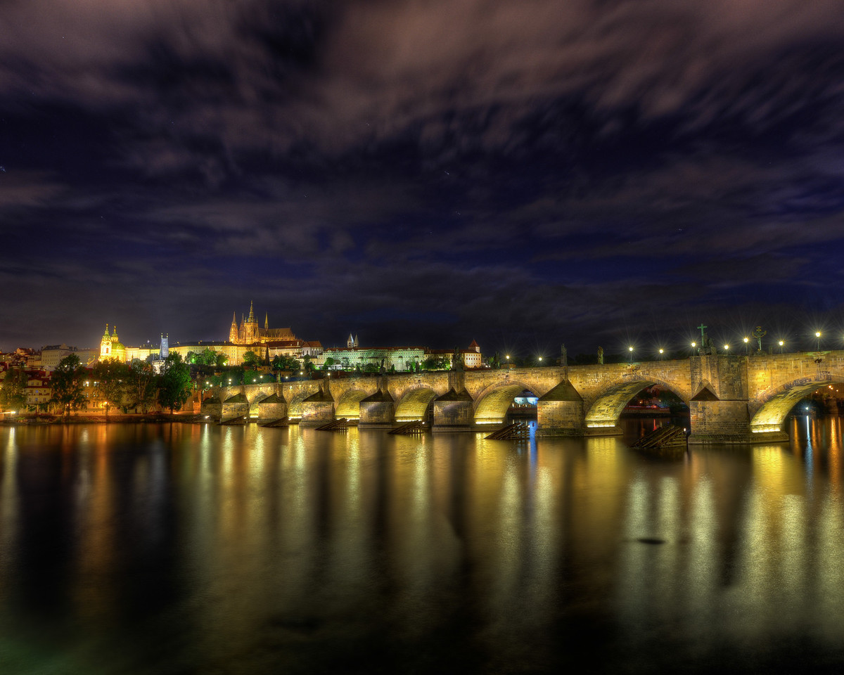 Charles Bridge to Prague Castle