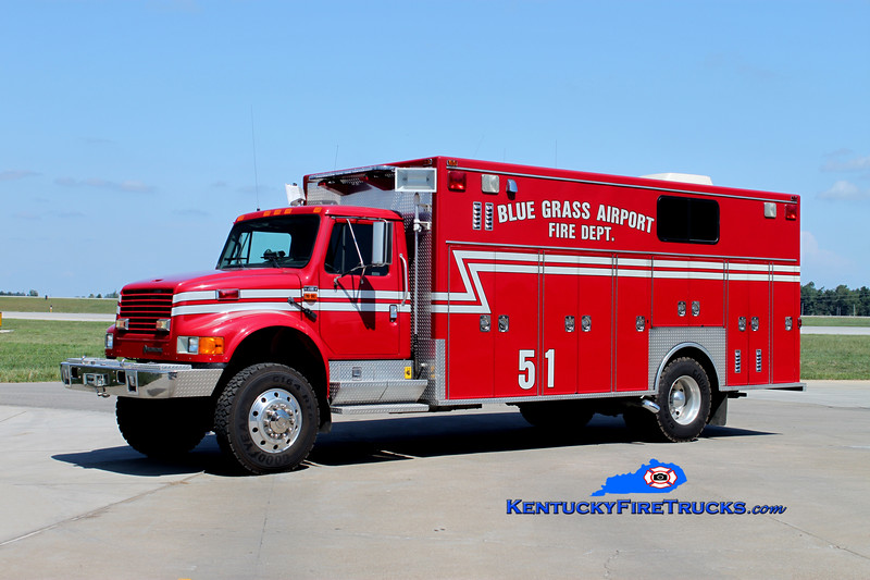 <center> Bluegrass Airport Rescue 51 <BR> 1994 International 4800 4x4/Emergency Medical Vehicles <BR> Kent Parrish photo <BR> </center>