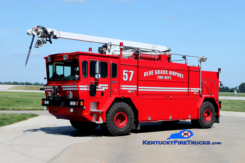 <center> RETIRED <br> Blue Grass Airport Crash 57 <br> 1993 Oshkosth T-1500 1250/1500/140F/450DC/1997 52' Snozzle <br> Kent Parrish photo <br> </center>