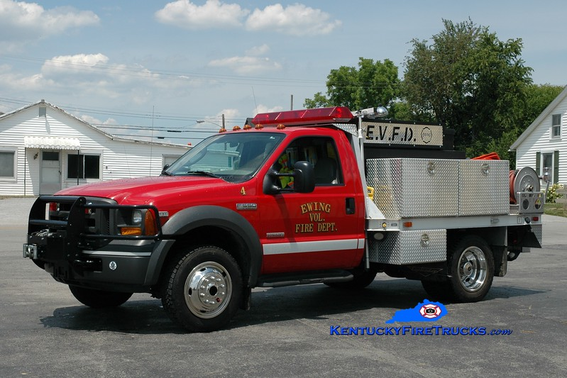 <center> Ewing Brush 754  <br> 2005 Ford F-550 4x4/Pierce Contender 250/400 <br> Greg Stapleton photo <br> </center>