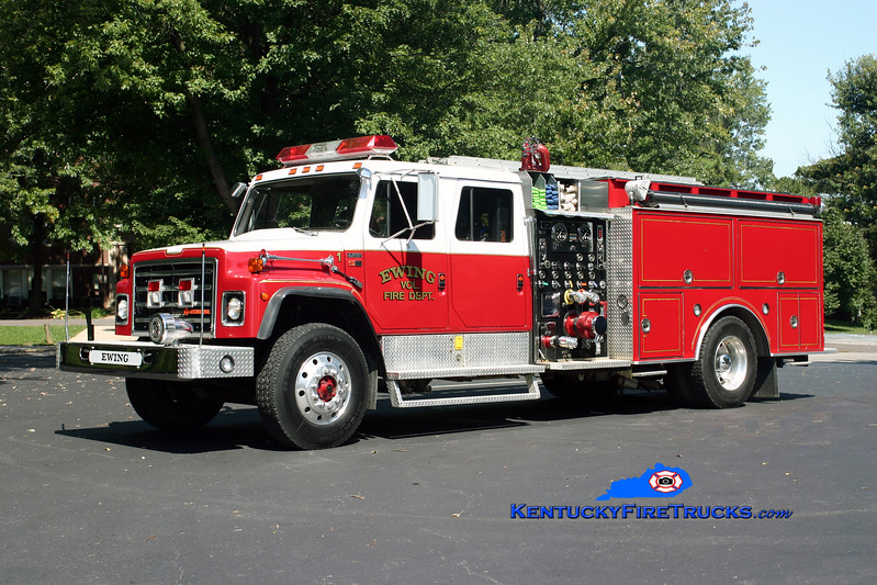 <center> RETIRED <br> Ewing Engine 751  <br> x-Silver Grove, KY  <br> 1989 International S-1954/S&S 1250/1000/30 <br> Kent Parrish photo <br> </center>