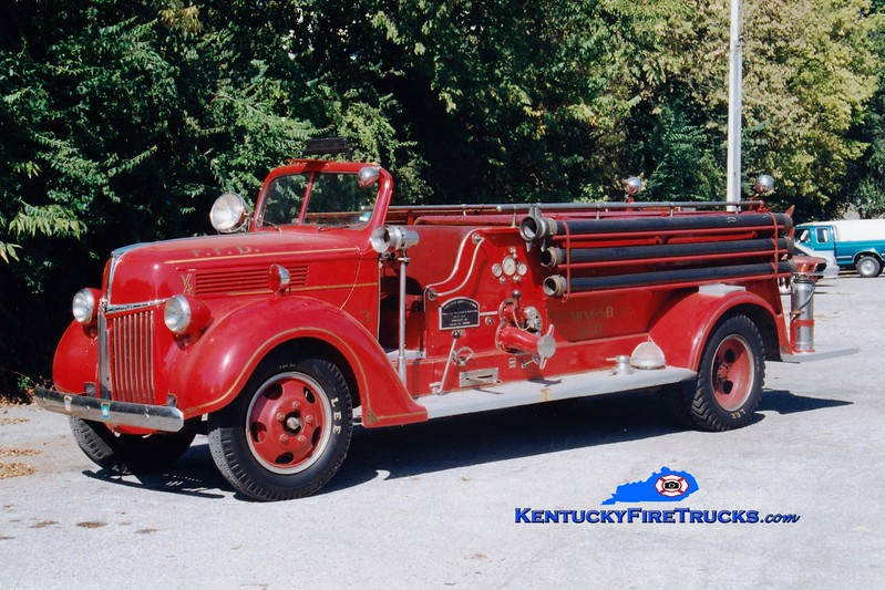 <center> Flemingsburg  Antique   <br> 1940 Ford/Oren  500/200 <br> Greg Stapleton photo </center>