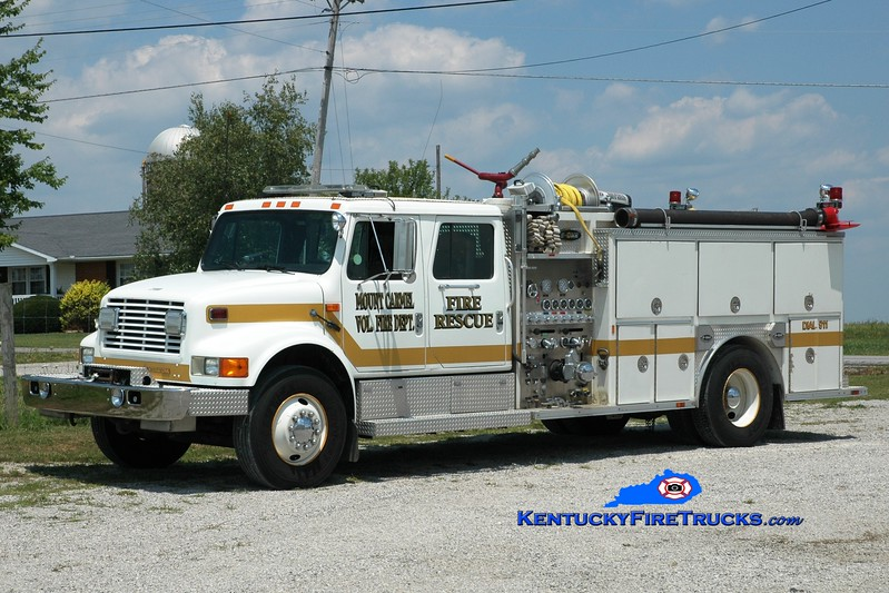 <center> Mount Carmel  Engine 9  <br> x-Bourbon County, KY <br> 1992 International 4900/E-One 1250/1000 <br> Greg Stapleton photo </center>