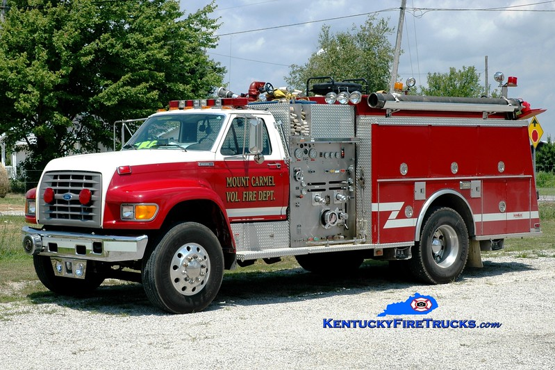 <center> Mount Carmel  Engine 2  <br> x-Clark County, KY <br> 1996 Ford F-800/KME 1250/1250  <br> Greg Stapleton photo </center>