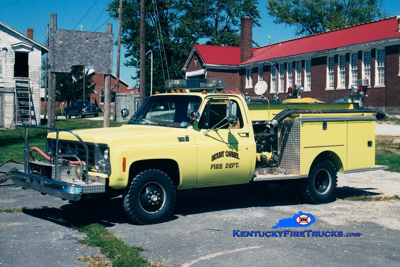 <center> Mount Carmel  Engine 1  <br> x-St Stephens, NC <br> 1979 Chevy/Pierce 450/250 <br> Greg Stapleton photo </center>