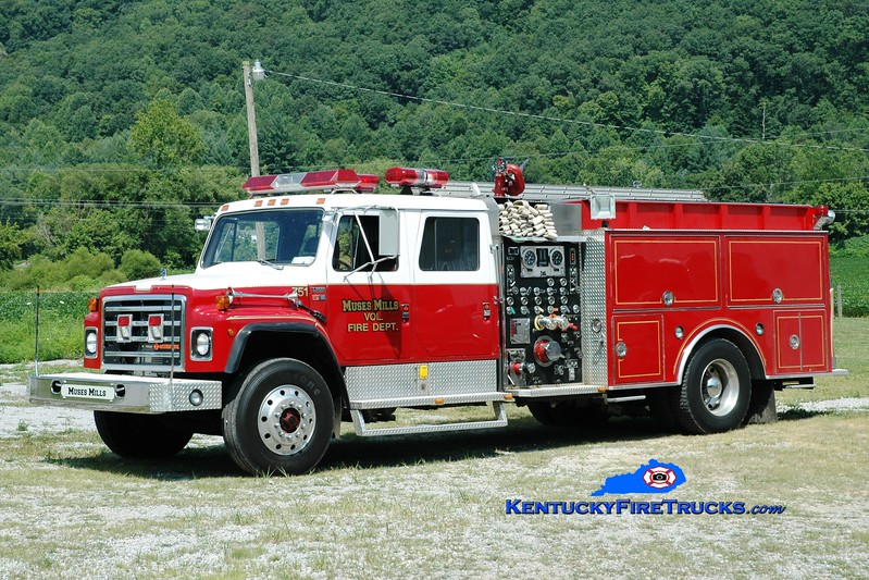 <center> Muses Mills  Engine 2 <br> x-Silver Grove, KY; Ewing, KY <br> 1989 International S-1954/S&S 1250/1000/30 <br> Greg Stapleton photo <br> </center>