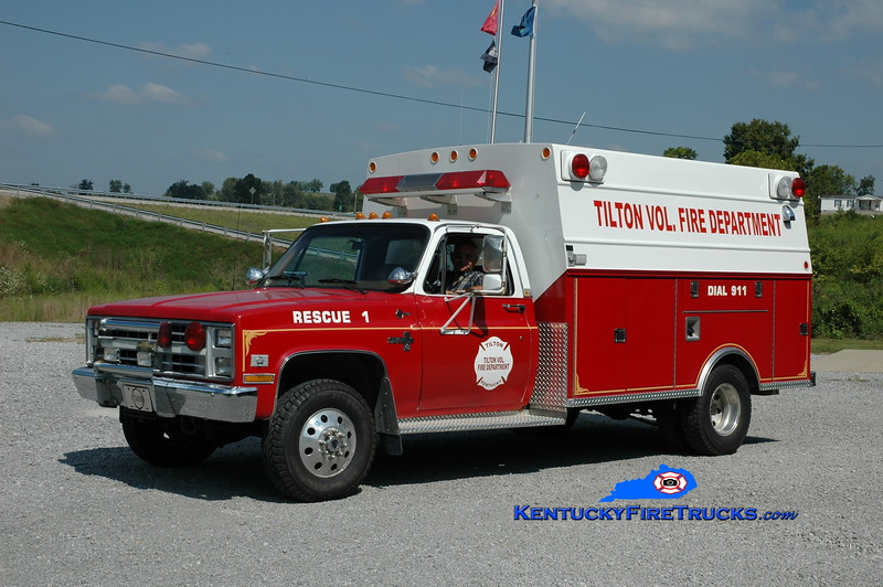 <center> Tilton  Rescue 554  <br> x-Fleming County, KY DES <br> 1988 Chevy C30 4x4/Braun <br> Greg Stapleton photo </center>