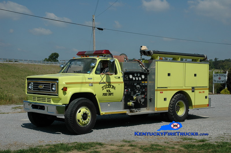 <center> Tilton  Engine 550  <br> x-St Charles, KY <br> 1983 Chevy C70/Quality 750/750 <br> Greg Stapleton photo </center>