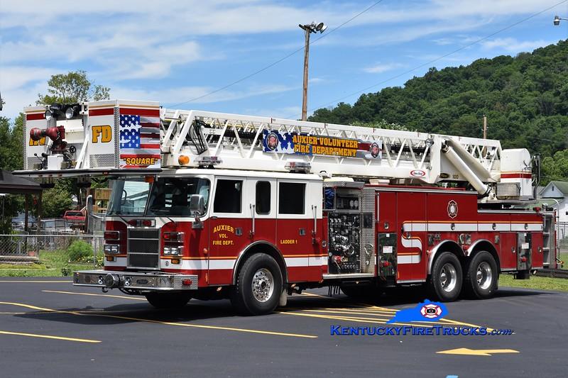 Auxier  Ladder 1<br /> x-Central County, FL <br /> 1999 Pierce Dash 2000/300/100'<br /> Greg Stapleton photo