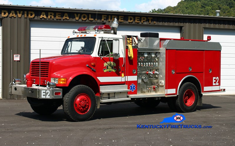 <center> David Area  Engine 2 <br> 1990 International 4800 4x4/4 Guys 500/500/10 <br> Kent Parrish photo </center>