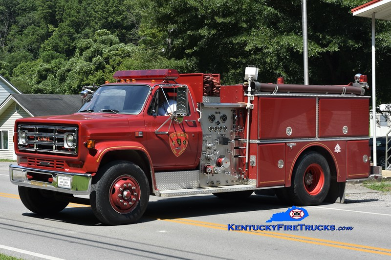 Left Beaver  Engine 8<br /> 1987 GMC 7000/Grumman 1000/750<br /> Greg Stapleton photo