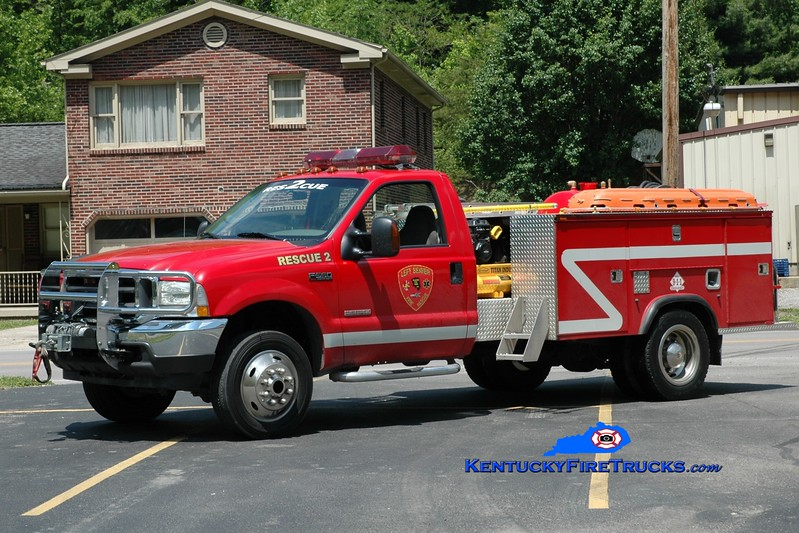 <center> Left Beaver  Rescue 2 <br> 2004 Ford F-550 4x4/2012 Owen  <br> Greg Stapleton photo </center>