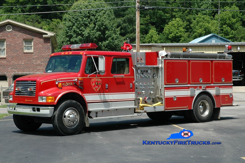 <center> Left Beaver  Engine 3 <br> 1991 International 4900/Ferrara 1250/1000 <br> Greg Stapleton photo </center>