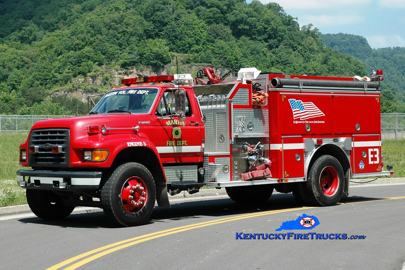 <center> Martin  Engine 3 <br> 1997 Ford F-800/E-One 1250/1000 <br> Greg Stapleton photo </center>