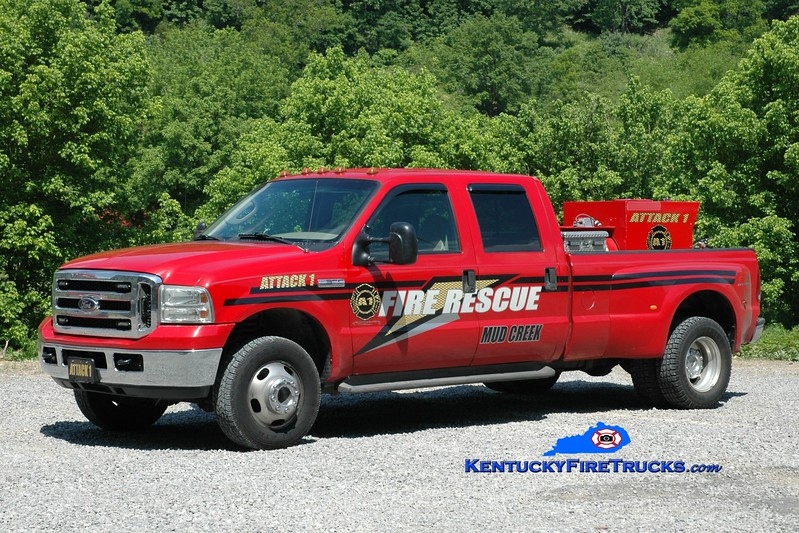 <center> Mud Creek  Attack 1 <br> 1995 Ford F-350 4x4/FD CAFS  <br> Greg Stapleton photo </center>