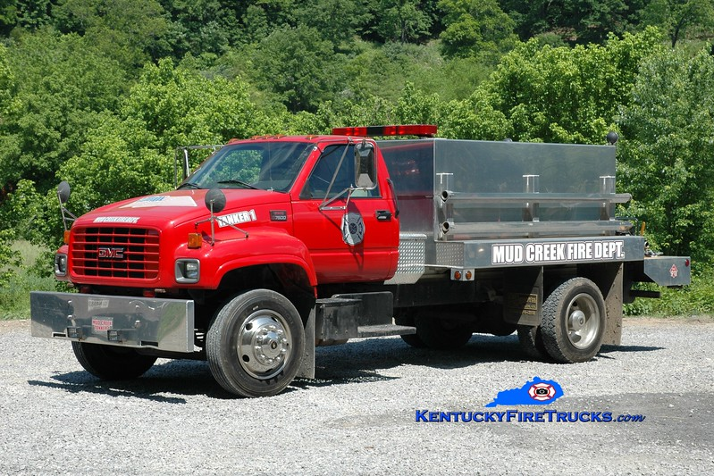 <center> Mud Creek  Tanker 1 <br> 2002 GMC 7500/R&S Allen 250/1200 <br> Greg Stapleton photo </center>