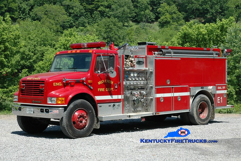 <center> Mud Creek  Engine 1 <br> 2002 International 4900/E-One 1250/1800 <br> Greg Stapleton photo </center>