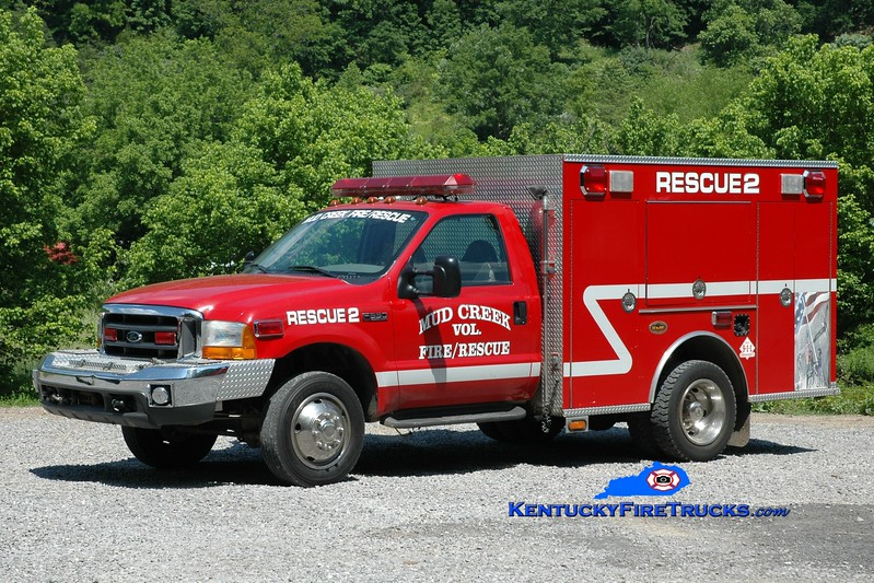 <center> Mud Creek  Rescue 2 <br> 1999 Ford F-550 4x4/KME <br> Greg Stapleton photo </center>