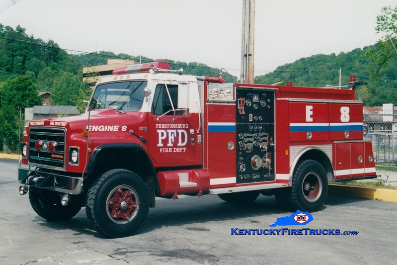 <center> RETIRED <br> Prestonsburg  Engine 8 <br> 1988 International 4x4/American Eagle 1000/500 <br> Greg Stapleton photo </center>