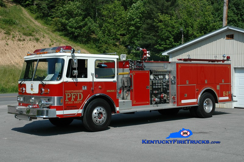 <center> Prestonsburg  Engine 3 <br> x-Lebanon, PA; Burnside, KY <br> 1982 Pierce Arrow 1250/500 <br> Greg Stapleton photo </center>