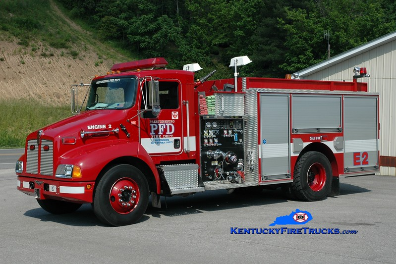 <center> Prestonsburg  Engine 2 <br> 2003 Kenworth T-300/Pierce 1250/1000 <br> Greg Stapleton photo </center>