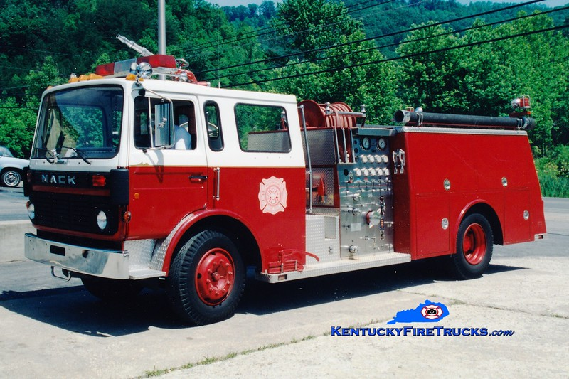 <center> RETIRED <br> Prestonsburg  Engine 7 <br> 1980 Mack MS/Fire Power 1000/500 <br> Greg Stapleton photo </center>