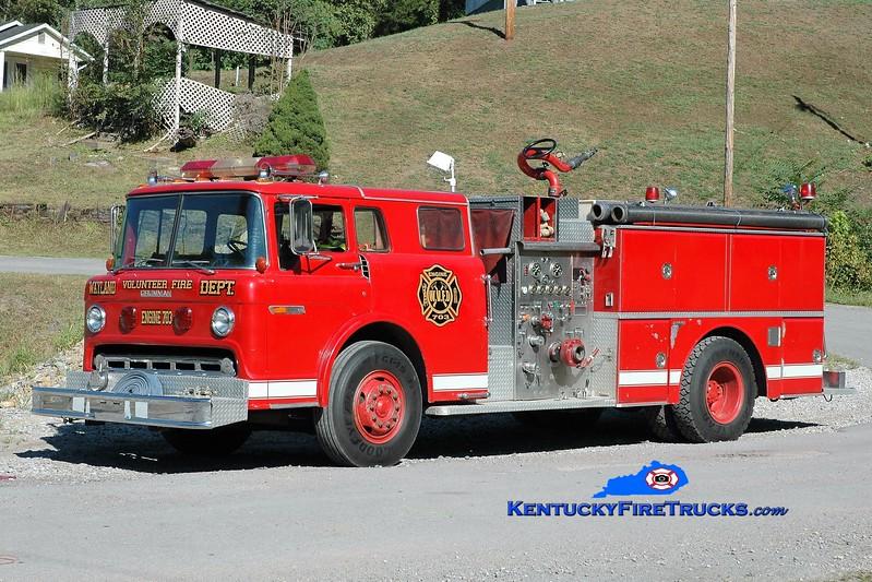 Wayland  Engine 703<br /> x-Cincinnati, OH; Olympian Springs, KY; Farmers, KY<br /> 1982 Ford C-800/Grumman 750/1000<br /> Greg Stapleton photo