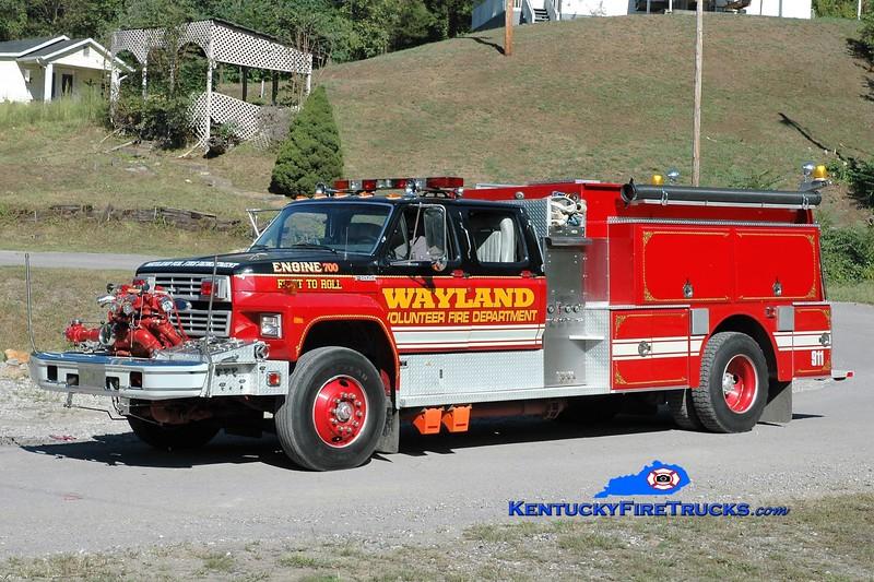 Wayland  Engine 700<br /> x-Bradford, RI<br /> 1991 Ford F-800/Grumman 1000/1000<br /> Greg Stapleton photo