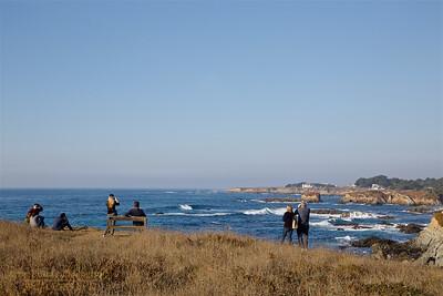 FB-BG-181111-0006 Visitors enjoying the coastal view