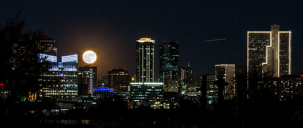 Full Moon over Fort Worth