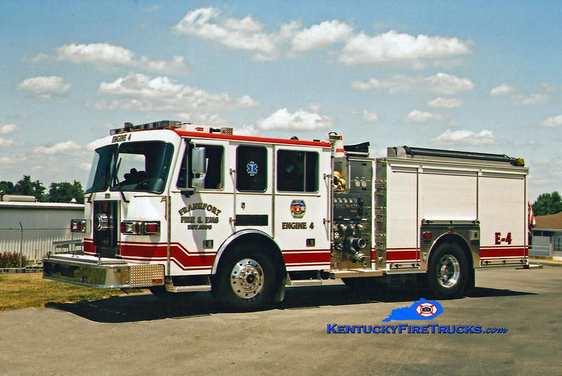 <center> Frankfort Engine 4  <br> 2004 Sutphen Shield 1500/750 <br> Kent Parrish photo </center>
