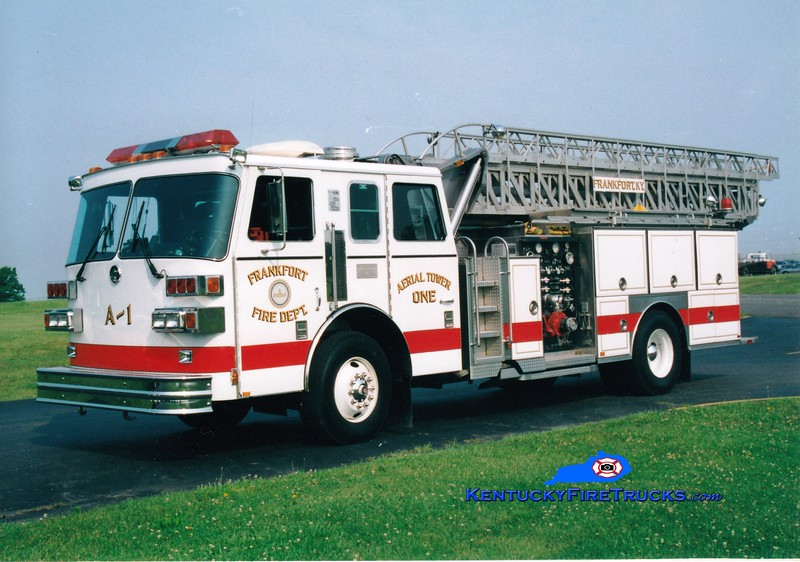 <center> RETIRED <br> Frankfort  Aerial 1 <br> 1990 Sutphen 1500/400/75' <br> Greg Stapleton photo </center>