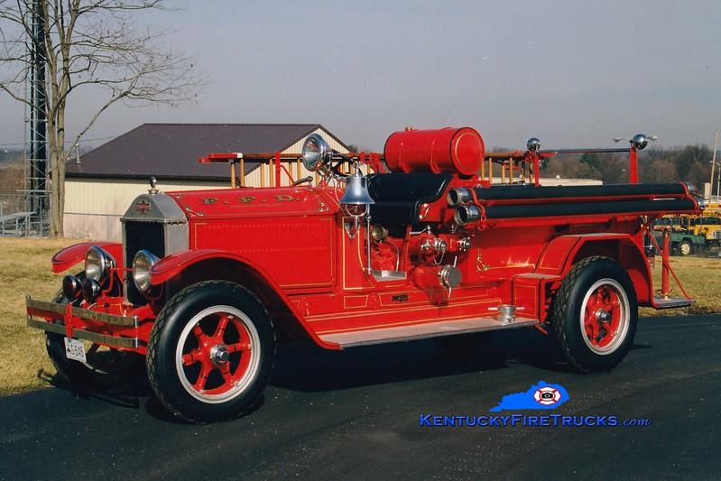<center> Frankfort  Antique   <br> x-Macon, GA <br> 1926 American LaFrance Type 75 750/100 <br> Greg Stapleton photo </center>