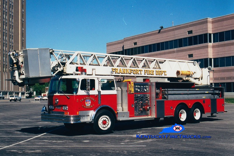 <center> RETIRED <br> Frankfort  Ladder 1 <br> 1982 Pemfab/FMC/LTI 1500/200/85' <br> Greg Stapleton photo </center>