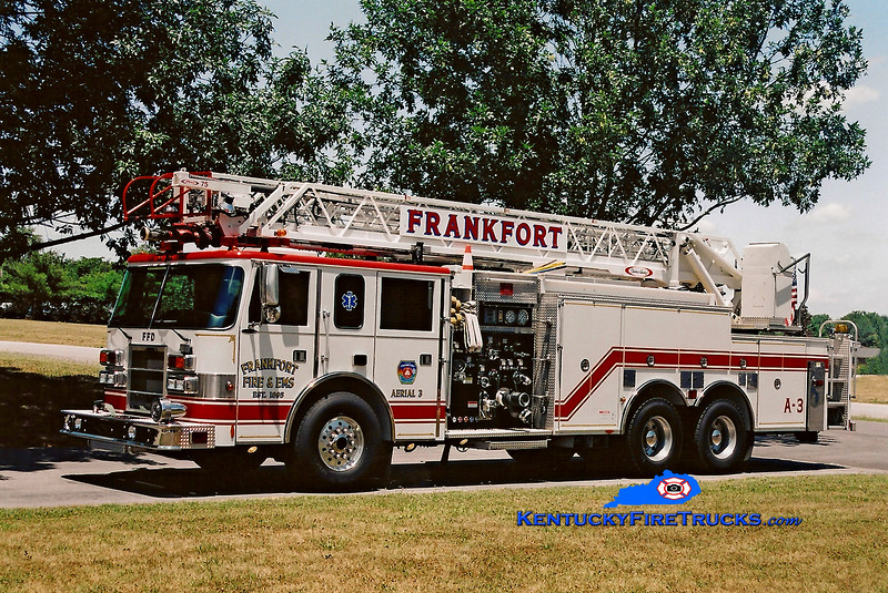 <center> Frankfort Aerial 3  <br> 2001 Pierce Dash 1500/500/75'  <br> Kent Parrish photo </center>