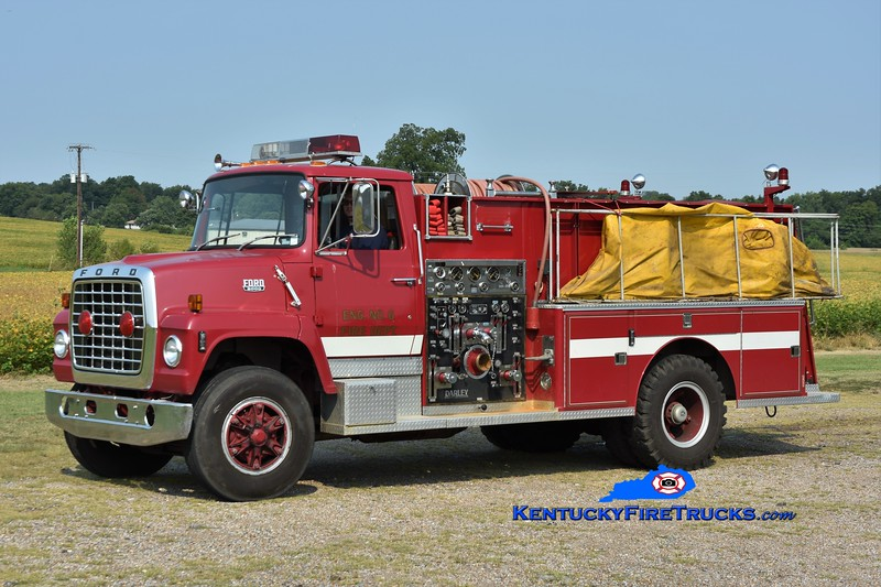 Fulton County Engine 7152<br /> x-Lone Oak, KY<br /> 1981 Ford LN/Darley 1000/1000<br /> Greg Stapleton photo