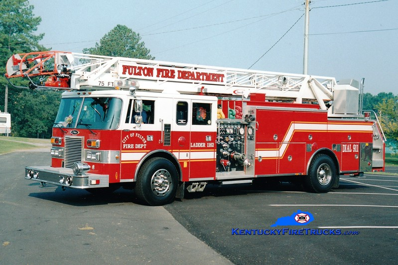 <center> Fulton  Ladder 1162  <br> x-Cayuga Heights, NY  <br> 1991 Pierce Lance 1500/500/75' <br> Greg Stapleton photo </center>
