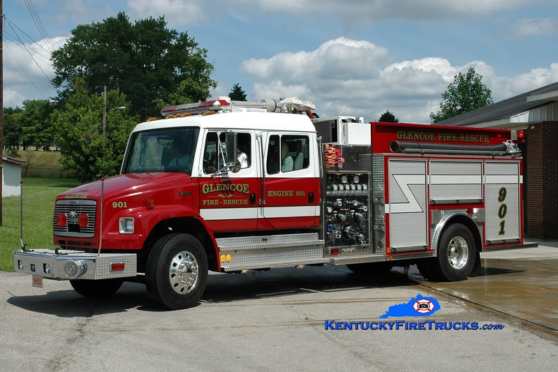 <center> Glencoe  Engine 901 <br> 2000 Freightliner FL80/American LaFrance 1500/1000 <br> Greg Stapleton photo </center>