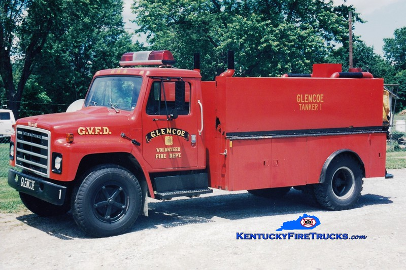 <center> RETIRED <br> Glencoe  Tanker 1 <br> 1980 International/Local 250/1500 <br> Greg Stapleton photo </center>