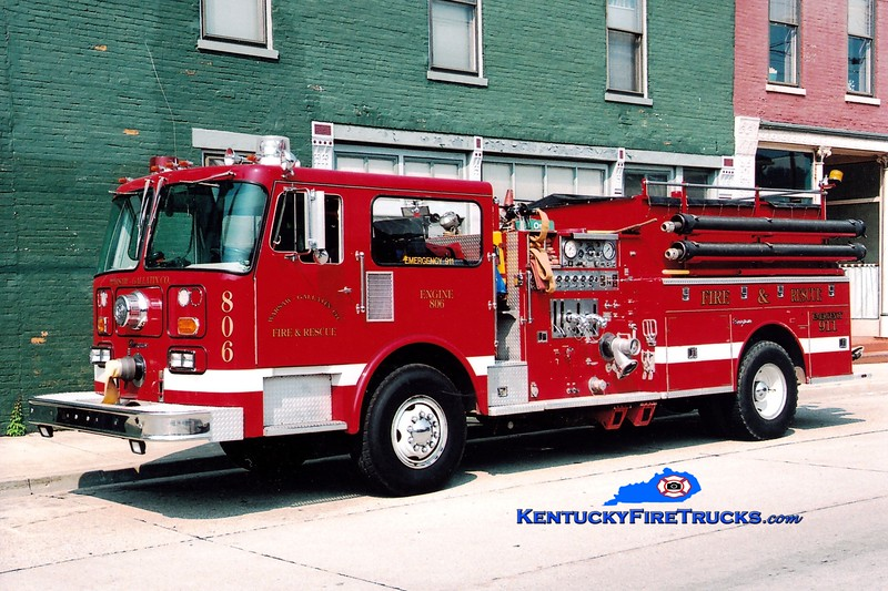 <center> Warsaw-Gallatin County  Engine 806 <br> x-Delta Cardiff, PA <br> 1982 Seagrave HB 1250/1000  <br> Greg Stapleton photo </center>