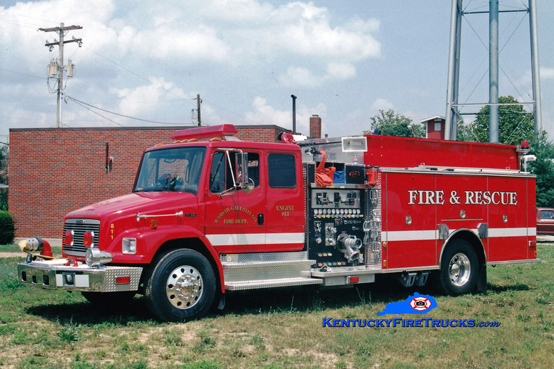 <center> Warsaw-Gallatin County  Engine 811 <br> 2000 Freightliner FL80/Toyne 1500/1500/90  <br> Greg Stapleton photo </center>