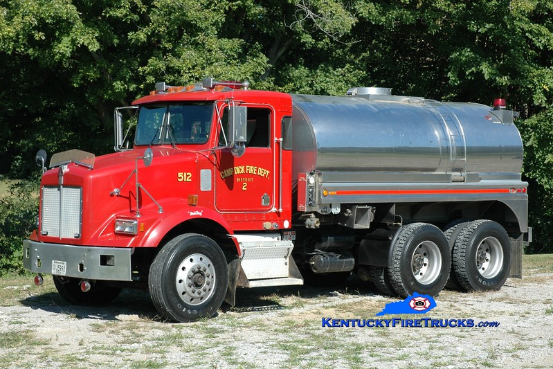 <center> Camp Dick  Tanker 512 <br> 1990 Kenworth T-450/Starr Stainless 250/2800 <br> Greg Stapleton photo </center>
