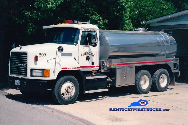 <center> Camp Dick  Tanker 510 <br> 1995 Mack CH/Bluegrass 250/3000 <br> Greg Stapleton photo </center>