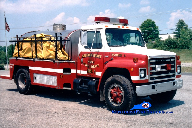 <center> RETIRED <br> Garrard County Fire Dist. 1  Tanker 1 <br> 1988 International S/1994 Montgomery 0/1500 <br> Greg Stapleton photo <br> </center>